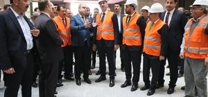 Bakan Gül, yapımı devam eden adliye inşaatını inceledi
