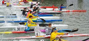 Kano'da Gloria Canoeing Cup 5000 Metre Durgunsu Turnuvası yapıldı