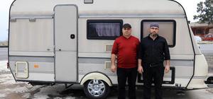 Gurbetçi, Mehmetçiğe 'karavan' bağışladı
