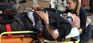 Ehliyetsiz sürücünün çarptığı yaya ağır yaralandı