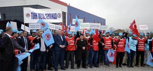 Bafra'da işten çıkarılan işçiler eylem yaptı
