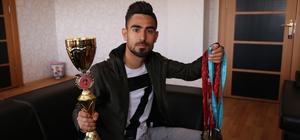 Milli sporcudan Kaymakam Çetin'e ziyaret