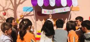 Okul bahçesindeki 'Dürüstlük Manavı' öğrencilerin ilgi odağı