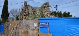 Tarihi Ceneviz Kalesi'nde restorasyon çalışmaları