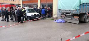 Sakarya'da kamyonun çarptığı kişi öldü