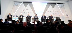 Ekonomi zirvesinde global fırsatların geleceği konuşuldu