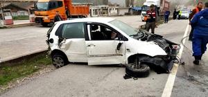 Bariyerlere çarpan otomobil takla attı: 4 kişilik aile yaralı