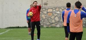 Evkur Yeni Malatyaspor'da Erol Bulut'tan futbolcularına gözdağı