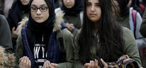 Öğrencilerden Zeytin Dalı Harekatı şehitlerine dua