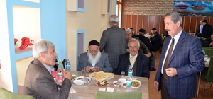 Başkan Gürsoy yaşlıları unutmadı