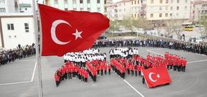 Liseli öğrencilerden duygulandıran Afrin gösterisi