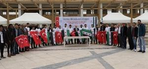 Suriyeli öğrenciler lokma dağıttı