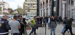 Kuşadası'nda 2'si cezaevi firarisi 6 zanlı yakalandı