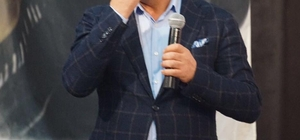 AK Partili Başkan, FETÖ kumpasını anlatırken gözyaşlarını tutamadı