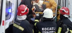 Otomobiller kafa kafaya çarpıştı: 1'i ağır 4 yaralı