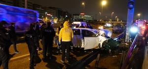 Bakırköy'de otomobil bariyerlere çarptı: 3 yaralı