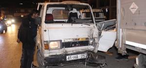 Kontrolden çıkan kamyonet, park halindeki tıra çarptı: 1 yaralı