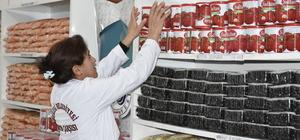 Elazığ'da Hayır Çarşısı'na 10 ton gıda yardımı
