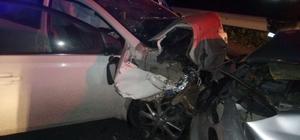 Akhisar'da zincirleme kaza: 2 ölü, 1 yaralı