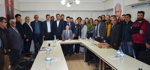 Didim AK Parti'de 26 yeni üyeye rozet töreni düzenlendi