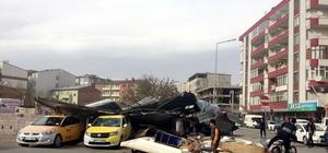 Erzurum, Iğdır ve Ağrı'da fırtına çatıları uçurdu: 3 yaralı