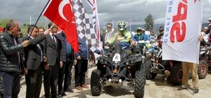 Motosikletçiler Fethiye'de çamurla savaştı