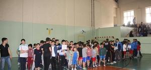 Oltu'da Muhsin Gürsoy anısına güreş turnuvası düzenlendi