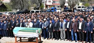 Bakan Yılmaz, Sivas'ta cenazeye katıldı