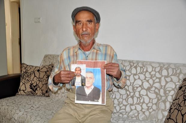 """(Özel haber) Bir yıldır kayıp kardeşini arıyor Manisa'nın Kırkağaç ilçesinde bir yıl önce kaybolan ve akli dengesi yerinde olmadığı öğrenilen 48 yaşındaki Mustafa Er'den bir daha haber alınamadı Aylardır gece gündüz her yerde kardeşini arayan ağabey Bayram Er, Cumhurbaşkanı Recep Tayyip Erdoğan'dan yardım istedi Gözyaşlarıyla kayıp kardeşine seslenen Bayram Er: """"Kardeşim seni çok özledim, neredeysen, yaşıyorsan çık gel"""""""