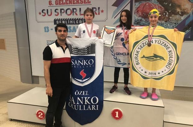 SANKO'lu yüzücülerden rekor