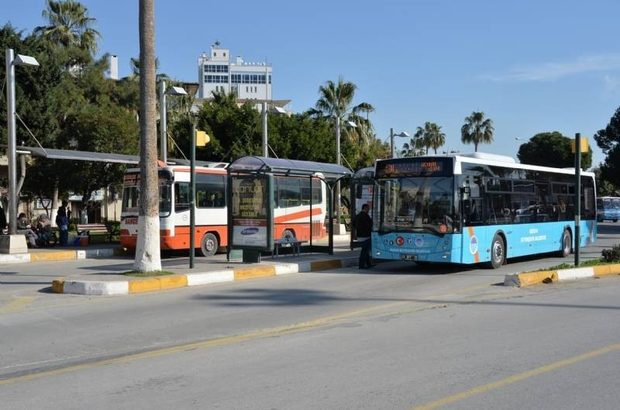 Mersin'de toplu taşıma araçları daha güvenli hale getiriliyor Mersin Büyükşehir Belediyesi, tüm ticari taksi, servis araçları, dolmuş ve otobüs araçlarını anlık takip edilebilme ve izlenme yeteneği olan güvenlik cihazları ile donatmaya hazırlanıyor