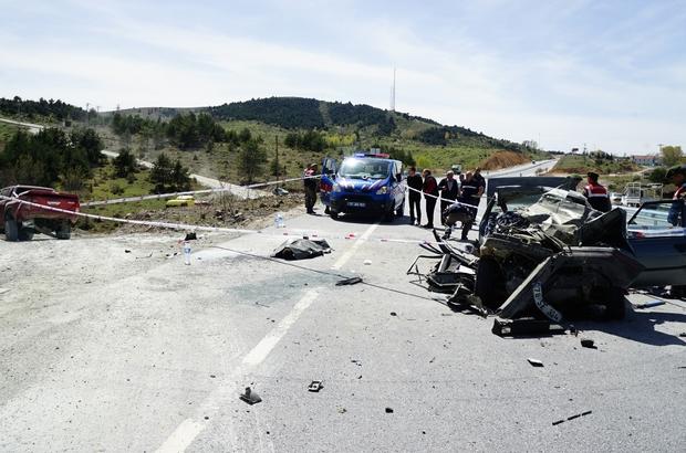 Kastamonu'da feci kaza: 1 ölü, 4 yaralı Otomobilin çarptığı kamyonet takla attı