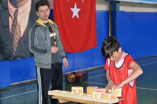 """6. Geleneksel 23 Nisan Çocuk Şenlikleri başladı Miniklerin """"Kahramanlar Yarışıyor""""daki mücadeleleri başladı"""