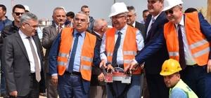 """TESKİ'den Çorlu'ya 4,7 milyon liralık yeni yatırım TESKİ Genel Müdürü Başa: """"Çorlu'da 17 projeyi tamamladık"""" """"Devlet Su İşleri'nin (DSİ) TESKİ adına yaptığı çalışmalar toplamında Çorlu'ya 120 milyon lira yatırım yapıldı"""""""