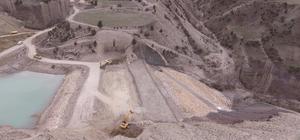 Uzundere Kirazlı Göleti'nde çalışmalar devam ediyor Proje ile bin dekar zirai arazi suyla buluşacak