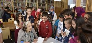 Emetliler, dünyaca ünlü çocuk ve gençlik romanları yazarı Gülten Dayıoğlu'nu bağrına bastı