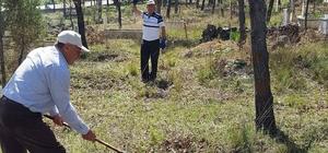 Hamam köyünde imece usulü mezarlık temizliği