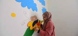 İstanbul'dan Bitlis'e gelip okulun duvarlarını süslediler