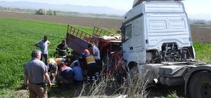 Çorum'da tır ile kamyonet çarpıştı: 1 ölü, 4 yaralı