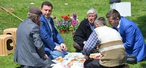 Başkan Fatih Bakıcı, orman işçileriyle buluştu Belediye Başkanı işçilerle yer sofrasına oturdu