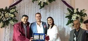Başkan Yalçın, genç çiftin mutluluğuna ortak oldu