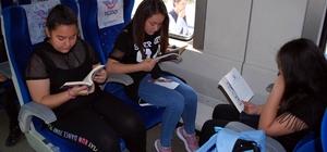 """Trenle yolculuk yapıp, kitap okudular Manisa'da ortaokul öğrencilerinden """"Okuma Treni"""" etkinliği"""