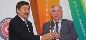 Yılın Edebiyat Adamı Ödülü Tataristan'dan Mansurov'a verildi