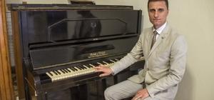 Tarihi piyano Edremit'te sergileniyor Dünyada sadece 5 krala hediye edildi