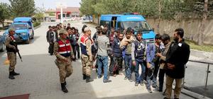 Erzincan'da 58 kaçak göçmen yakalandı