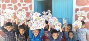 İstanbul'dan Kahta'daki öğrencilere hediye