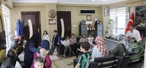 Minik öğrenciler Başkan Duymuş'u ziyaret etti