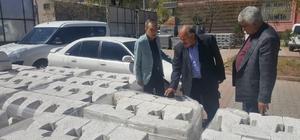 Başkan Özdemir kaldırım çalışmalarını inceledi