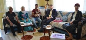 Başkan Ürkmezer'den yeni doğan bebeklere hoş geldin ziyareti