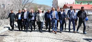 Başkan Sekmen Şenkaya ve Olur'a çıkarma yaptı